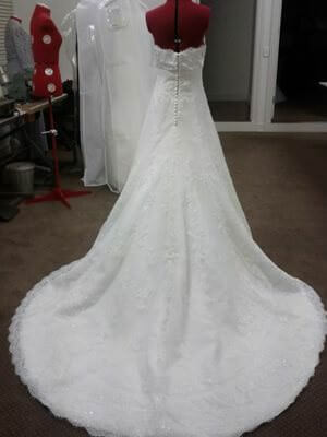Pronovias – Size 8 Lace dress | Second hand wedding dresses Berwick - 2
