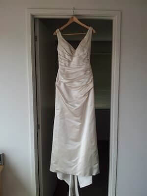 Linda Gorringe – Size 12 A-Line dress | Second hand wedding dresses Caulfield North - Size 12