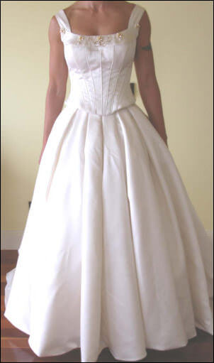 Connie Simonetti – Size 10 Satin dress | Second hand wedding dresses Frankston South - Size 10