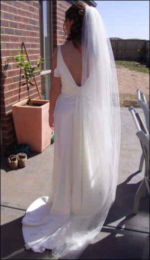 Helen Brownhill – Size 10 Silk dress | Second hand wedding dresses Cranbourne - 2