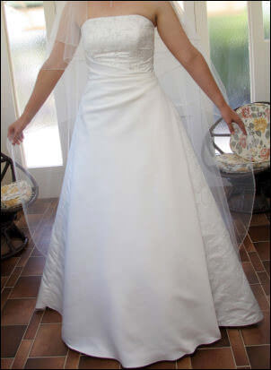 Size 14 dress | Second hand wedding dresses Dalby - 2
