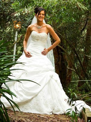 Maggie Sottero – Size 6  dress | Second hand wedding dresses Mooroolbark - Size 6