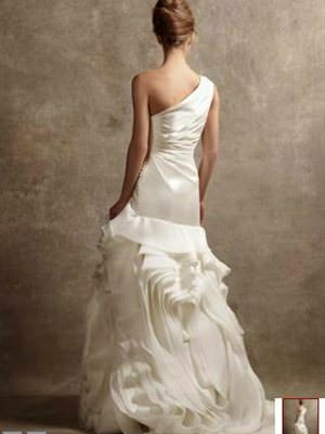 Vera Wang – Size 10  dress | Second hand wedding dresses Adelaide Airport - Size 10