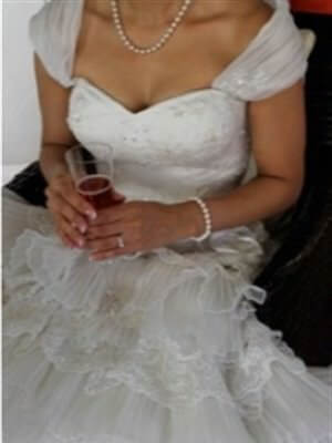 Brides In Love – Size 8  dress | Second hand wedding dresses Newington - 2