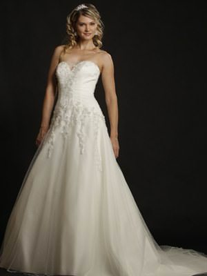 Peter Trends – Size 20  dress | Second hand wedding dresses St Ives Chase - Size 20