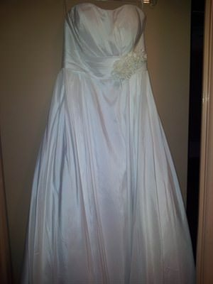 Wendy Ann – Size 12  dress | Second hand wedding dresses Kallangur - Size 12