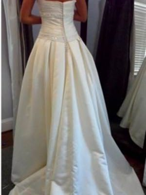 Pronovias – Size 12  dress | Second hand wedding dresses Ridleyton - 2