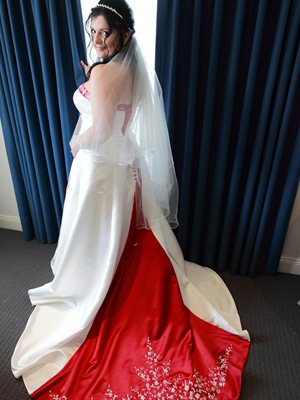 D'zage – Size 16  dress | Second hand wedding dresses Mentone - 2