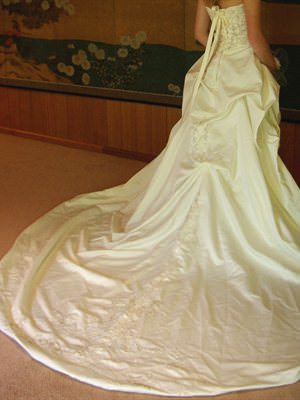 Size 6 dress | Second hand wedding dresses Berwick - 2