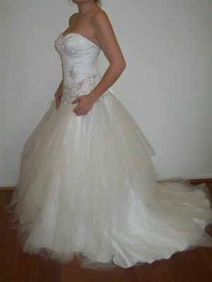 Wendy Sullivan – Size 10  dress | Second hand wedding dresses Coorparoo - Size 10