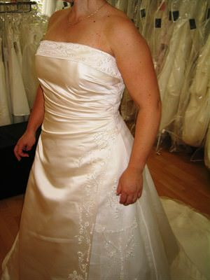 Size 12 dress | Second hand wedding dresses Northcote - Size 12
