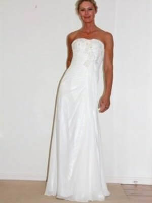 Airs & Graces – Size 8  dress | Second hand wedding dresses Kangaroo Point - Size 8