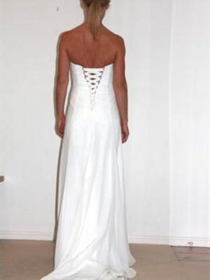 Airs & Graces – Size 8  dress | Second hand wedding dresses Kangaroo Point - 2