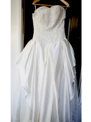Ian Stuart – Size 12  dress | Second hand wedding dresses Watson - Size 12