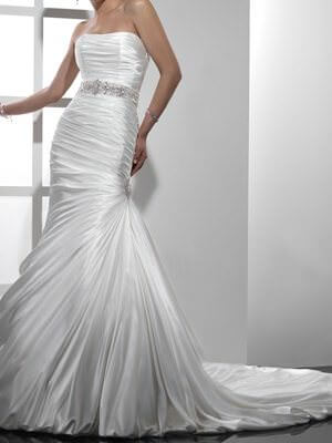 Maggie Sottero – Size 6  dress | Second hand wedding dresses Ashmore City - Size 6