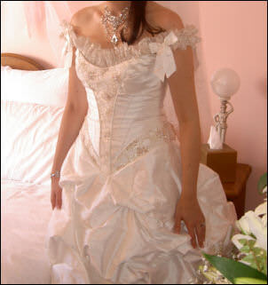 Brides of Armadale – Size 10 Silk dress | Second hand wedding dresses Mill Park - 2