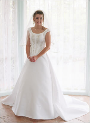 Raffaele Ciuca – Size 8 Satin dress | Second hand wedding dresses Bacchus Marsh - Size 8