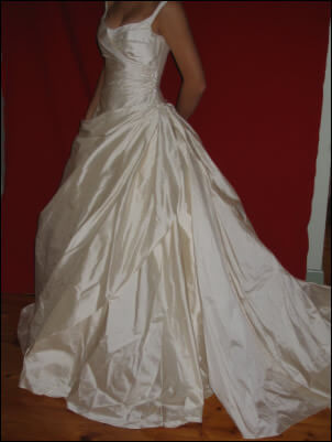 Judith Valente – Size 10 Silk dress | Second hand wedding dresses East Burwood - Size 10