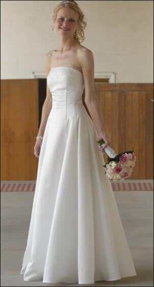 Silk dress – Size 6 Silk dress | Second hand wedding dresses Kew - Size 6