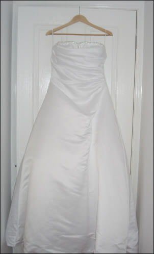 Suzanne Harward – Size 14 Satin dress | Second hand wedding dresses Attwood - Size 14