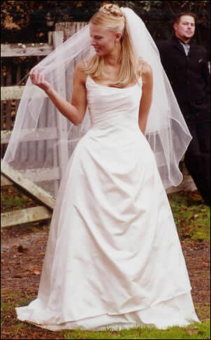 Angelina Baccini – Size 8 Satin dress | Second hand wedding dresses Ferntree Gully - Size 8