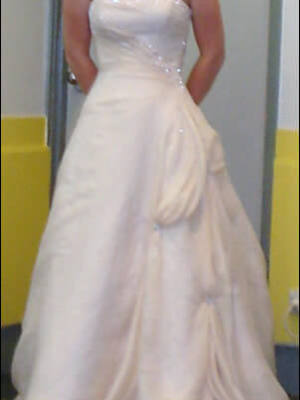 Maggie Sottero – Size 8 Satin dress | Second hand wedding dresses Morwell - 2