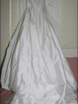 Wendy Makin – Size 12 Silk dress | Second hand wedding dresses Cronulla - 2