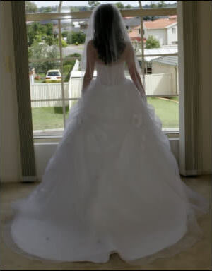 Calabro – Size 6 Polyester dress | Second hand wedding dresses Punchbowl - 2