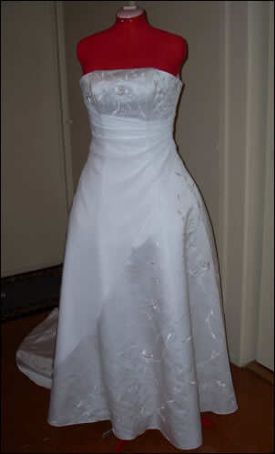 Size 8 dress | Second hand wedding dresses Eltham North - Size 8