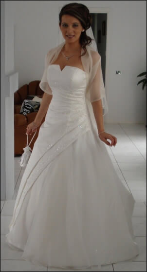 Bridal Designs – Size 8 DuchesseSatin dress | Second hand wedding dresses West Sunshine - Size 8