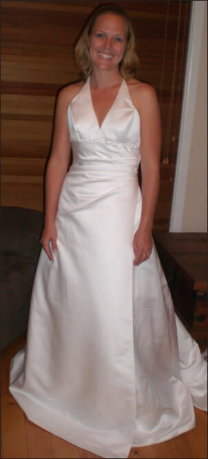 Luelle Bridal – Size 8 Satin dress | Second hand wedding dresses Panania or Central Coast - Size 8