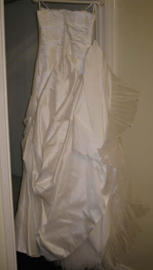 Pronovias – Size 10 Silk dress | Second hand wedding dresses Caulfield North - 2
