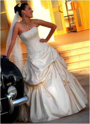 Maggie Sottero – Size 8 Satin dress | Second hand wedding dresses Clayton - Size 8