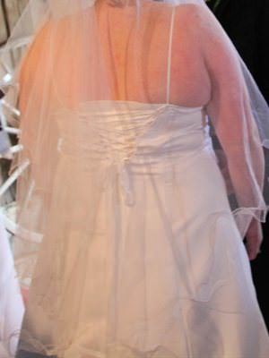Size 16 dress | Second hand wedding dresses Lilydale - 2