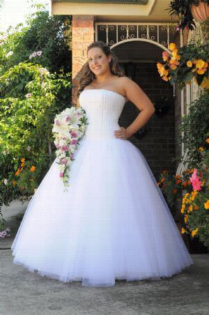 Mery's Couture – Size 12 Satin dress | Second hand wedding dresses Erskine Park - Size 12