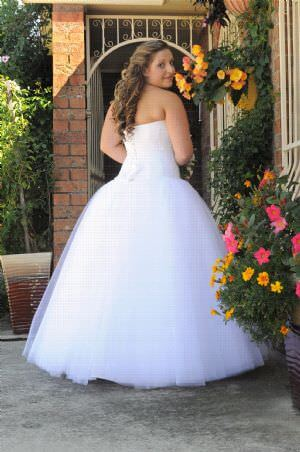 Mery's Couture – Size 12 Satin dress | Second hand wedding dresses Erskine Park - 2