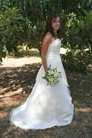 Henri Josef – Size 8 Satin dress | Second hand wedding dresses Latrobe Valley - 2