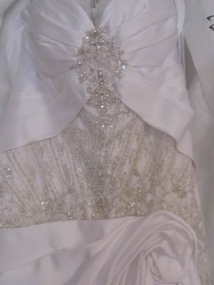 Jenny & Gerry – Size 12 Satin dress | Second hand wedding dresses Para Hills - Size 12