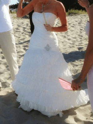 Allure Bridals – Size 8 Polyester dress | Second hand wedding dresses Peregian Springs - Size 8