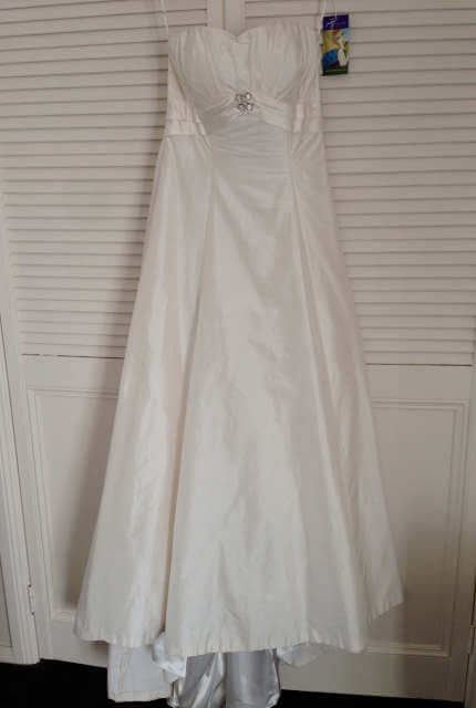 Jean Fox – Size 14 A-Line dress | Second hand wedding dresses Port Macquarie - Size 14