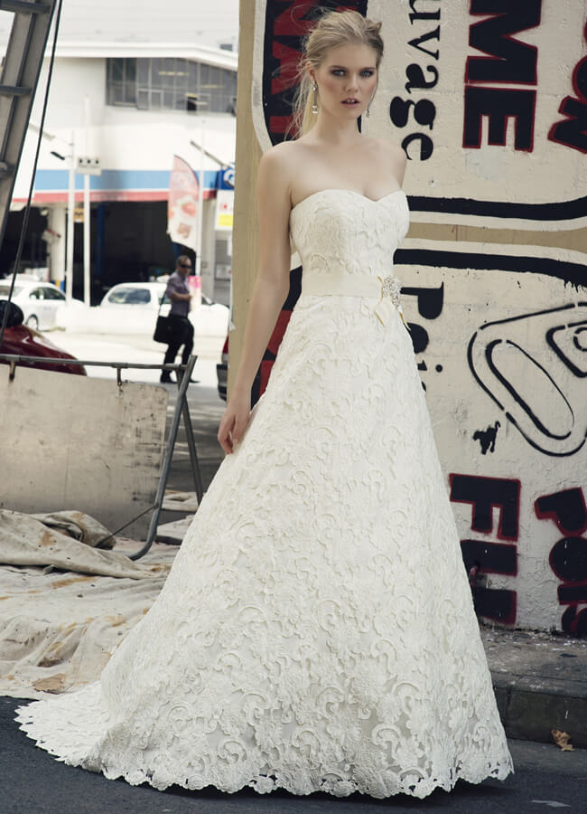 Henry Roth – Size 16 A-Line dress | Second hand wedding dresses Warrnambool - Size 16
