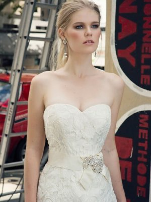 Henry Roth – Size 16 A-Line dress | Second hand wedding dresses Warrnambool - 2