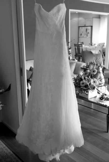 Monique Lhuillier – Size 6 A-Line dress | Second hand wedding dresses Bundoora - 6