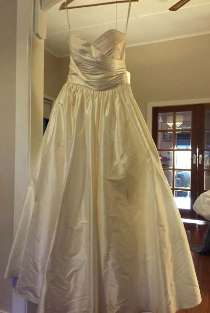 Wendy Makin – Size 12 Ball Gown dress | Second hand wedding dresses Mildura - 4