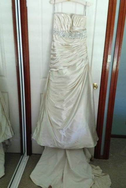 Maggie Sottero – Size 16 Strapless dress | Second hand wedding dresses Inverell - 5