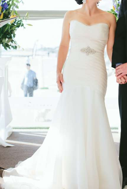 Karen Willis Holmes – Size 10 Fishtail dress | Second hand wedding dresses Chelsea - Size 10