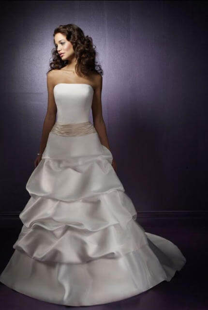 Madeline Gardner – Size 8 Strapless dress | Second hand wedding dresses Matraville - Size 8