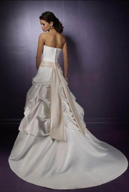 Madeline Gardner – Size 8 Strapless dress | Second hand wedding dresses Matraville - 2