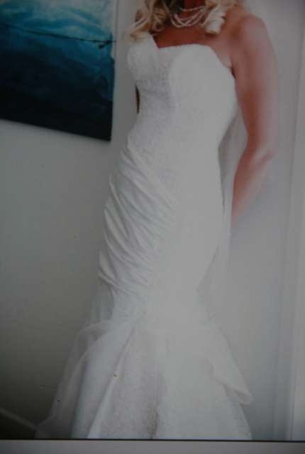Maggie Sottero – Size 8 Fishtail dress | Second hand wedding dresses dee why - Size 8