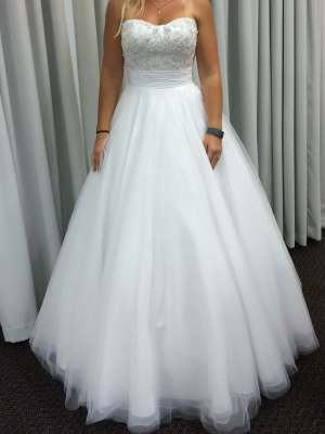 Worn Once Wedding Dresses 32